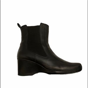 Rockport leather waterproof black wedge slip on ankle boots size 8 1/2